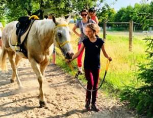 mamy_corki_i_konie